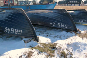 Boote im Winter am Strand Usedom